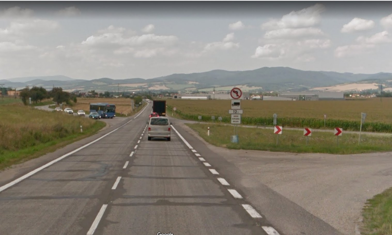 Oprava panelovej cesty I/9 pri Trenčíne mešká, prekazila ju námietka jedného z uchádzačov