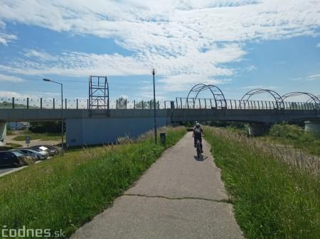 Foto: Cyklotrasa Trenčín - Nemšová. Pekná a ideálna cyklotrasa pre rodiny s deťmi. 3