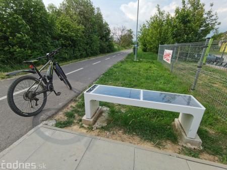 Foto: Cyklotrasa Trenčín - Nemšová. Pekná a ideálna cyklotrasa pre rodiny s deťmi. 33