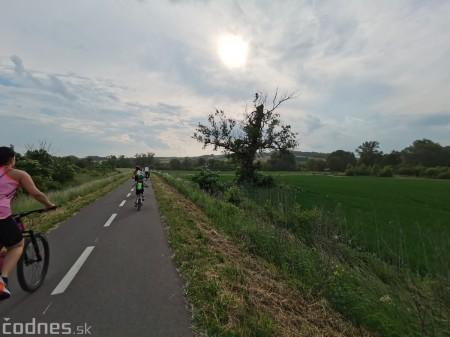 Foto: Cyklotrasa Trenčín - Nemšová. Pekná a ideálna cyklotrasa pre rodiny s deťmi. 34
