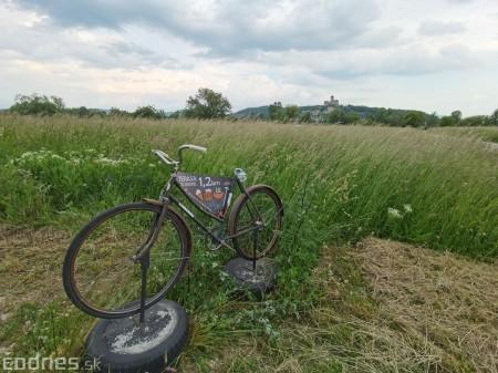 Foto: Cyklotrasa Trenčín - Nemšová. Pekná a ideálna cyklotrasa pre rodiny s deťmi. 42