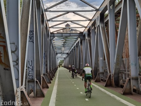 Foto: Cyklotrasa Trenčín - Nemšová. Pekná a ideálna cyklotrasa pre rodiny s deťmi. 43