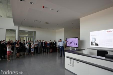 Foto a video: Duálne vzdelávanie v Brose má prvých absolventov. Firma plánuje zamestnať stovky ľudí a postaviť škôlku 3