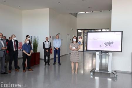 Foto a video: Duálne vzdelávanie v Brose má prvých absolventov. Firma plánuje zamestnať stovky ľudí a postaviť škôlku 7
