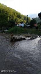 Búrky počas noci z nedele na pondelok boli najintenzívnejšie v Trenčianskom kraji. Na stanici Valaská Belá spadlo 104 milimetrov zrážok 2