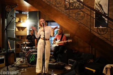 Foto: Barbora Švidraňová & Basie Frank Band 1
