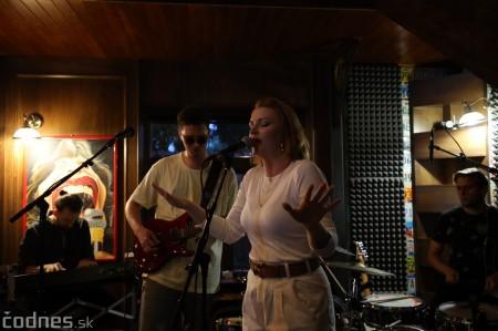 Foto: Barbora Švidraňová & Basie Frank Band 15