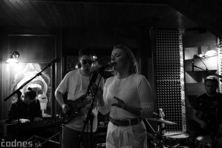 Foto: Barbora Švidraňová & Basie Frank Band 16