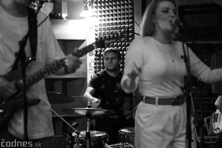 Foto: Barbora Švidraňová & Basie Frank Band 33