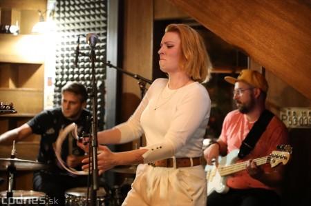 Foto: Barbora Švidraňová & Basie Frank Band 39