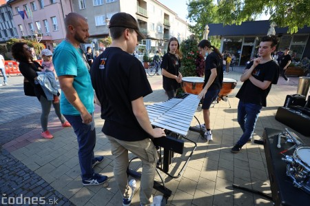 Foto: Koncert súborov ZUŠ L. Stančeka na námestí v Prievidzi 1