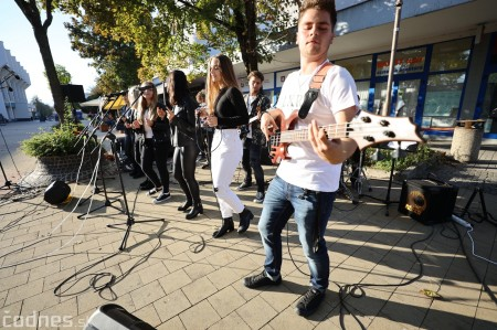 Foto: Koncert súborov ZUŠ L. Stančeka na námestí v Prievidzi 11
