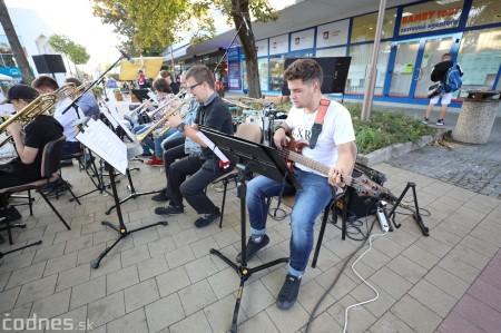 Foto: Koncert súborov ZUŠ L. Stančeka na námestí v Prievidzi 28