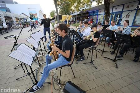 Foto: Koncert súborov ZUŠ L. Stančeka na námestí v Prievidzi 30