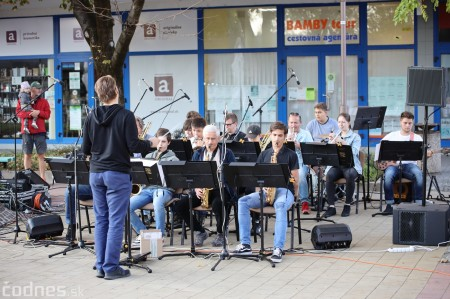 Foto: Koncert súborov ZUŠ L. Stančeka na námestí v Prievidzi 32