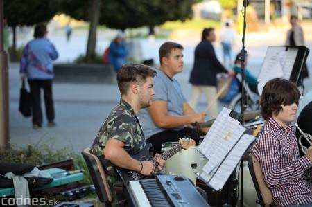 Foto: Koncert súborov ZUŠ L. Stančeka na námestí v Prievidzi 43