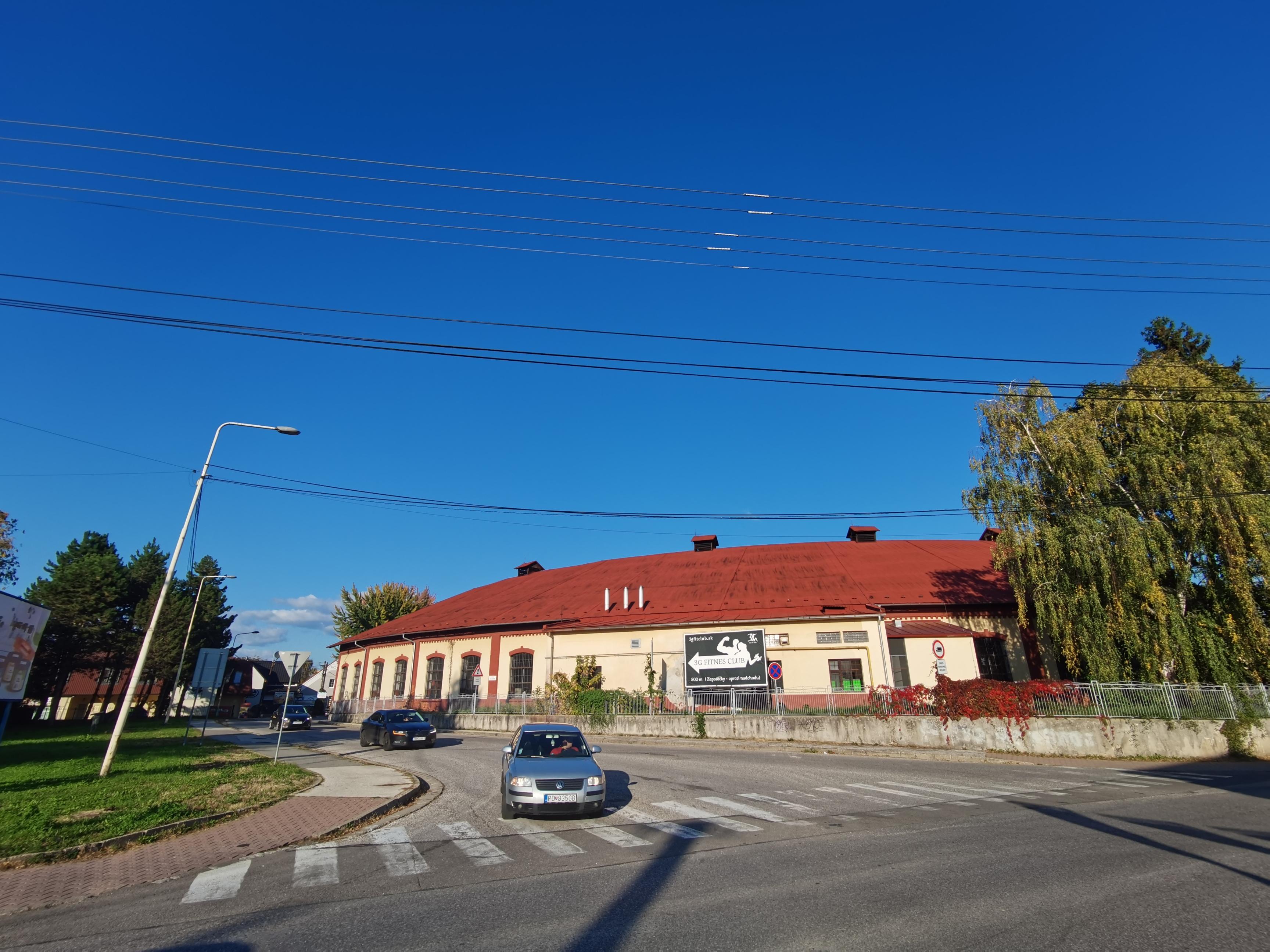 Nové cestné ostrovčeky majú v Prievidzi zlepšiť dopravnú situáciu