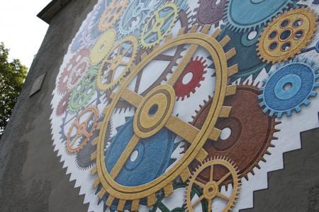 Foto: TSK sa rozhodol skrášliť budovu jedálne Strednej odbornej školy v Prievidzi umeleckým dielom, tzv. murálnou maľbou. 5