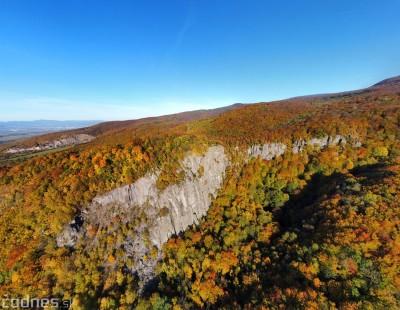 Foto: Jeseň - Skala Hrádok - lezecká oblasť - Kamenec pod Vtáčnikom